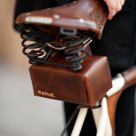 Walnut boxy seat bicycle bag vegetable-tanned leather