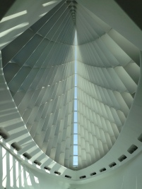 Dramatic lobby at the Milwaukee Art Museum